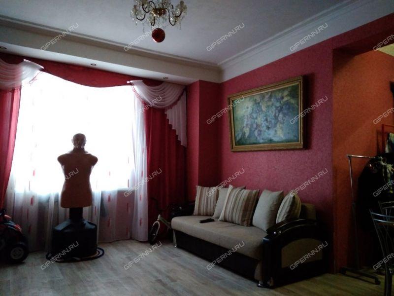 четырёхкомнатная квартира на проспекте Октября дом 21