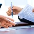 Какие документы нужно запросить у продавца квартиры, чтобы сделка была безопасной?