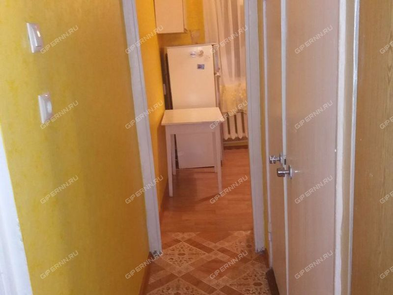 трёхкомнатная квартира на бульваре 60-летия Октября дом 9