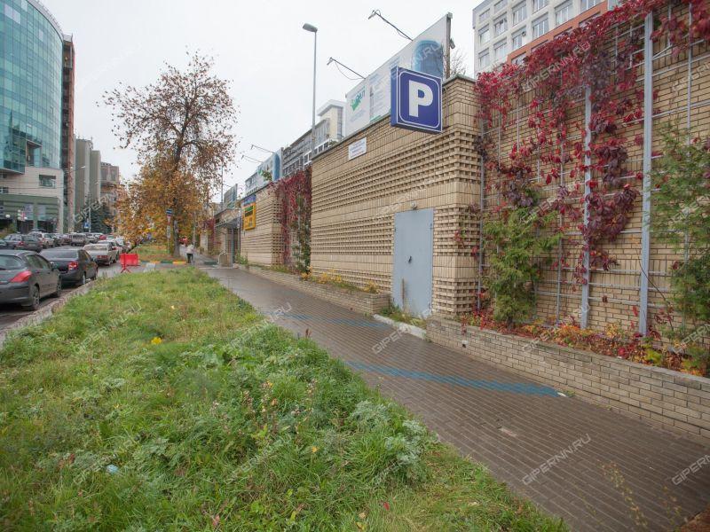 парковочное место на улице Нестерова
