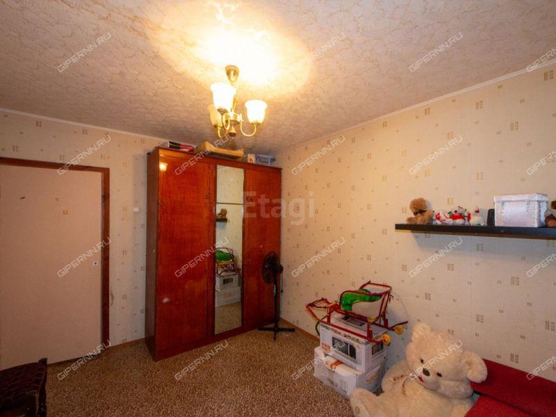 трёхкомнатная квартира на улице Маршала Голованова дом 7а